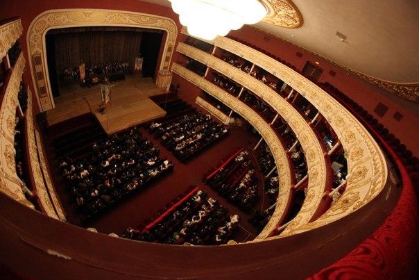 Международным днем театра
